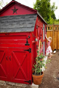 One of my favorite chicken coop designs - one of 8 picks for this week's Friday Favorites