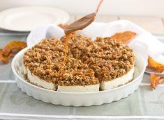 Recept na ovesné řezy s krémovým sýrem, hruškovou náplní a drobenkou politou karamelem