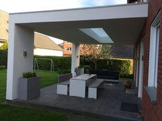 Terrassendach modern mit Lichtausschnitt