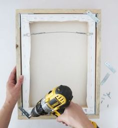 Fresh Way To Showcase Canvas Prints: DIY Floating Frames How to make DIY floating frames for your canvas prints.How to make DIY floating frames for your canvas prints. Diy Wand, Wood Projects, Woodworking Projects, Craft Projects, Craft Ideas, Woodworking Plans, Project Ideas, Woodworking Furniture, Canvas Projects Diy