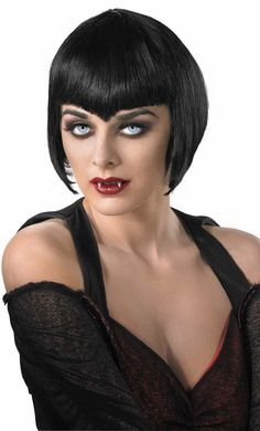 Halloween costume gothic vampire make up and wig teeth