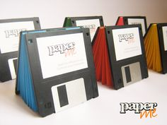 Libretas con tapas de disquettes rescatados de ser desechados de la basura