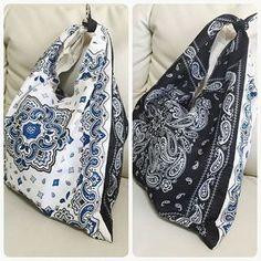今おしゃれに敏感な女性やママたちの間で、「バンダナバッグ」が流行しているのを知っていますか?大きなマルシェバッグの形で、容量たっぷりなので荷物がたくさん入ります。少しレトロな雰囲気が今っぽいと、ファッショニスタの間で大人気のアイテムなんです♡肩掛けでも手持ちでも使える便利なバッグを、100円ショップで売っているバンダナを使って手作りしましょう♪簡単な上に、たったの300円で手作りできますよ♪   ページ1