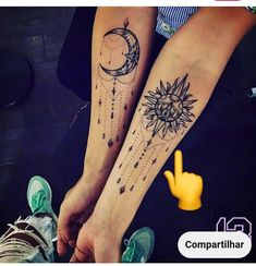 Gebets Tattoo, Hand Tattoos, Henna Tattoo Kit, Tattoo Kits, Sister Tattoos, Body Art Tattoos, Small Tattoos, Mandala Sun Tattoo, Tatoos
