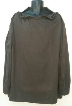 Check out this item in my Etsy shop https://www.etsy.com/listing/462566677/post-op-shoulder-3x-shoulder-open SHOULDER OPEN TSHIRT             CHOCOLATE BROWN  For after shoulder surgery or arm surgery.  Size: 3X More at: Www.dresswithease.etsy.com