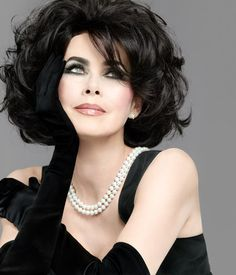 Elizabeth Taylor timeless and beautiful in black.