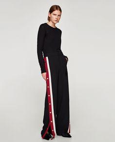 Immagine 1 di PANTALONI PIGIAMA BANDE LATERALI di Zara