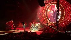 Queen + Adam Lambert - Somebody To Love - Barcelona 22/05/2016