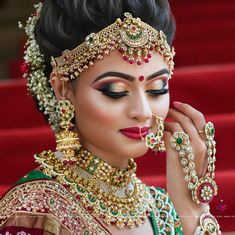 Off-Beat Trendy Eyeliner Styles Every Bride Needs to Know for Pakistani Bridal Makeup, Indian Wedding Makeup, Indian Wedding Bride, Best Bridal Makeup, Bridal Makeup Looks, Indian Wedding Jewelry, Bride Makeup, Bridal Jewelry, Indian Makeup