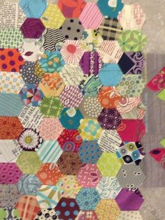 My favorite block of hexagons. All done with this one. On to the next. I love this pattern book, always something different. For my Green Tea and Sweet Beans quilt.