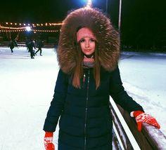 Long Puffer Coat, Hooded Winter Coat, Fur Jackets, Furs, Hoods, Hooded Jacket, Sexy, Beauty, Women