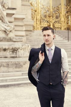 Suit: REISS Shirt: RAGandBONE Tie: BROOKS BROTHERS   via This Fellow TUMBLR   La