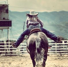 I want to see daylight between your legs and the horse! Said my trainer (aunt joy an mom) she is riding right! I can see daylight Cowgirl And Horse, Cowboy Up, Horse Love, Horse Riding, Barrel Racing Quotes, Barrel Racing Horses, Barrel Horse, Pretty Horses, Beautiful Horses