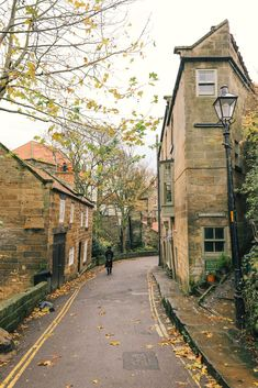 England Travel Inspiration - Exploring Ancient England - Robin Hood's Bay And Whitby Abbey Beautiful Places To Visit, Cool Places To Visit, Places To Travel, Travel Destinations, Beautiful Places In England, Travel Tourism, Travel Agency, Whitby Abbey, Westminster Abbey