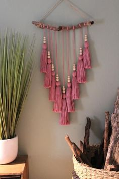 Quasten selber machen ✄ Pink Tassel Wall Hanging pink wall hesby bohemian home www shophesby comWandbehang Deko selber machenHow to make a small macrame wall hanging Pot Mason Diy, Mason Jar Crafts, Yarn Crafts, Diy And Crafts, Arts And Crafts, Adult Crafts, Crafts With Wool, Crochet Crafts, Paper Crafts