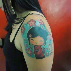 Trabalho finalizado da Tatiane. Vlw Tati.   #tattoorj  #tat2 #ink #inksav #inkatt #instaink #tatuajes #tatuagem #tattoodo #tattoo2me #tatuagemfeminina #kokeshitattoo #limitlesstattoo #limitlessbr #limitlessfamily