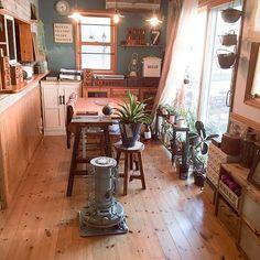 asami1130さんの、Overview,DIY,ペンダントライト,ペンドルトン,無垢の床,アラジンストーブ,わんこと暮らす家,いいね