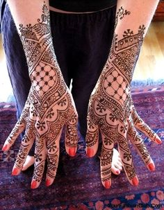 A non-floral henna tattoo design for hands and forearms--just intricate patterns!