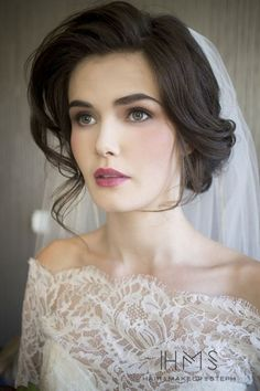 cool 60 Soft Wedding Make Up Ideas 2017  https://viscawedding.com/2017/08/23/60-soft-wedding-make-ideas-2017/