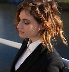 Christine and the Queens (Héloïse Letissier) Christina And The Queens, Vanity Fair, Queen Albums, French Brands, Portraits, Androgyny, Girl Bands, Tk Maxx, Perfect Woman