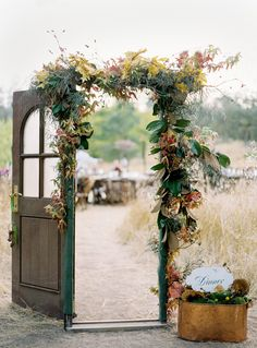 Vintage Door Wedding Decor - This'll surely add a nice touch to an outdoor wedding Wedding Bells, Wedding Events, Wedding Flowers, Floral Wedding, Garden Wedding, Fall Wedding, Dream Wedding, Diy Wedding, Trendy Wedding