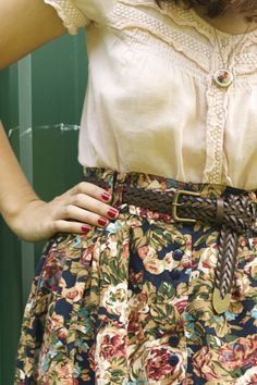 I knew too many moms wearing that skirt growing up in the 80s, but I love that shirt and  necklace