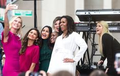 Michelle Obama has always captured our attention when it came to her choices in fashion, after leaving the White House her style continues to shine. Presidente Obama, Meghan Trainor, Black Families, Kelly Clarkson, Selfie Time, Michelle Obama, Her Style, Beautiful Dresses, Classy