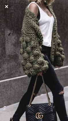 Pin by Aimée Sawyer on Dream Style Knit Fashion, Boho Fashion, Winter Fashion, Fashion Outfits, Womens Fashion, Crochet Coat, Crochet Clothes, Iranian Women Fashion, Knitting Designs