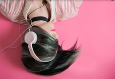 Whether you are working, commuting or relaxing you can easily keep learning more about the wonderful world of design thanks to these great podcasts. Here is a list of some of the best podcasts I have… Good Charlotte, Playlists, Musica Celestial, Alicia Moore, Pink Music, Music Photo, Anxiety Relief, Stress Relief, Successful People