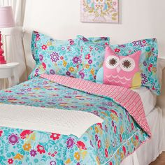 Bright floral bedding for a girl's room!