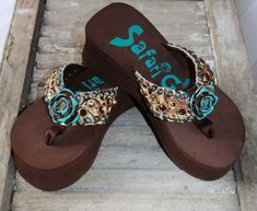 Brown Flip Flops with Tan Tooling and Turquoise Rose ~ this site has the cutest shoes...
