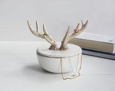 Szkatułka z rogami - bordo_ceramika - Stojaki na biżuterię