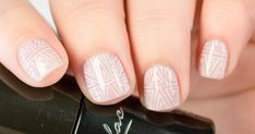 3 Steps to Perfect Freehand Lines in Your Nail Art