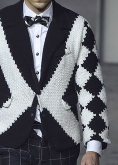 patternprints journal: PRINTS, PATTERNS AND TEXTILE SURFACES FROM MILAN CATWALKS (MENSWEAR F/W 2015/16) /Moncler Gamme Bleu