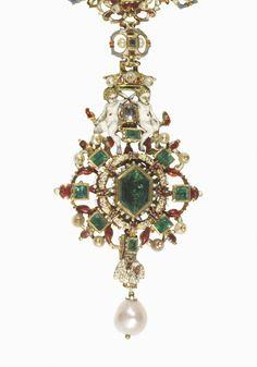 Detail of Jeweled collar - Jeweled Collar - gold, enamel, emeralds, diamonds. Addition of golden fleece figure circa 19th century. Italy or Spain, circa 1550-1600