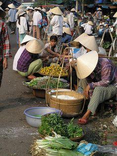 HoiAn busy market day -Vietnam