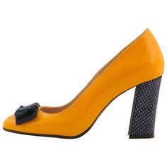 Hotstepper Runaway 2  Sunglow Runaway 2, Running Away, Hot, Stiletto Heels, My Style, Amazing, Fashion, Moda, Fashion Styles