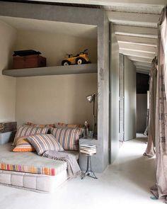 child's bed nook