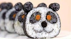 Who said sushi is an ages old culinary art that cannot be improved through creativity? Panda sushi prove them wrong! Arte Do Sushi, L'art Du Sushi, Sushi Art, Sushi Food, Sushi Comida, Sushi Dishes, Rice Dishes, Panda Sushi, Sushi Recipes