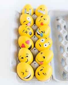 DIY: Emoji Easter Eggs - Looking for a fun egg decorating activity this Easter? You'll enjoy this super cute (and easy) Easter egg craft! Easter Crafts, Holiday Crafts, Holiday Fun, Crafts For Kids, Diy Crafts, Easter Ideas, Bunny Crafts, Easter Recipes, Emoji Easter Eggs