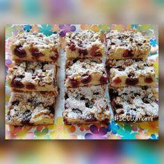 Meggyes diós lepény | Betty hobbi konyhája Hungarian Cake, Cereal, Dessert Recipes, Cookies, Breakfast, Food, Mascarpone, Breakfast Cafe, Biscuits