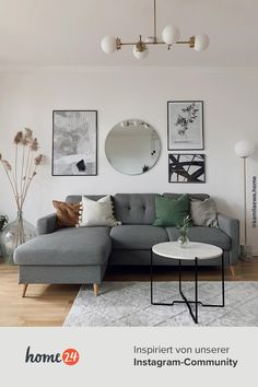 Table Decor Living Room, Home Design Living Room, Home And Living, Sofas For Small Spaces, My New Room, Room Inspiration, Interior Design, Upholstered Sofa, Color Combinations