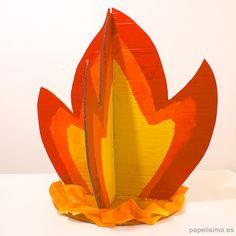 hoguera-fuego-de-carton-cardboard-bonfire