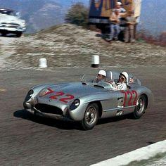 1955 Mille Miglia : Stirling Moss/Dennis Jenkinson, Mercedes-Benz 300 SLR #722, Daimler Benz AG, Winners. (ph: © Klemantaski)