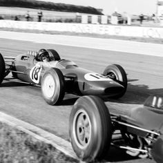 Today in '63, Jim Clark wins the French GP at Reims for @ClassicLotus by over a minute from Maggs and Hill.