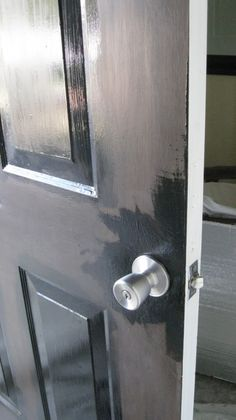 Girl's Guide to Painting Your Front Door by DIY Home Staging Tips