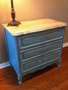 Inspiration for the piece from @Leslie Armstrong Painted using Annie Sloan Chalk Paint/Old White & Provence, followed with clear & dark wax.