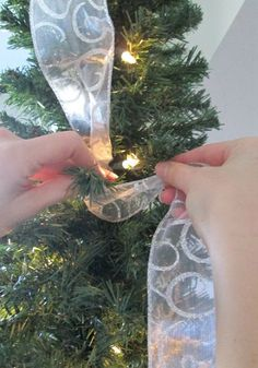 how to hang ribbon on a christmas tree, christmas decorations, how to, seasonal holiday decor