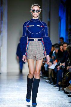 Stella Jean Ready To Wear Fall Winter 2018 Milan, Stella Jean Ready To Wear Fall Winter 2018 Milan. Live Fashion, Sport Fashion, Fashion Show, Fashion Outfits, Womens Fashion, Fashion Design, Ankara Fashion, Cheap Fashion, Fashion Online