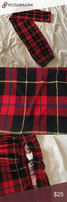 Vintage LULAROE plaid leggings These are the old waistband style, no there isn't the tag but these are LULAROE as you can see in the smaller tag photos. Super buttery soft! HARD TO FIND! Rare to see the older ones in EUC (excellent used condition) plaid print with black, yellow, and blue. LuLaRoe Pants Leggings